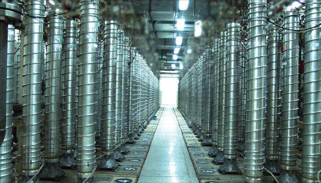ایران گام چهارم کاهش تعهدات هسته ای را برداشت ، شروع گازدهی به سانتریفیوژهای فعال در سایت فردو