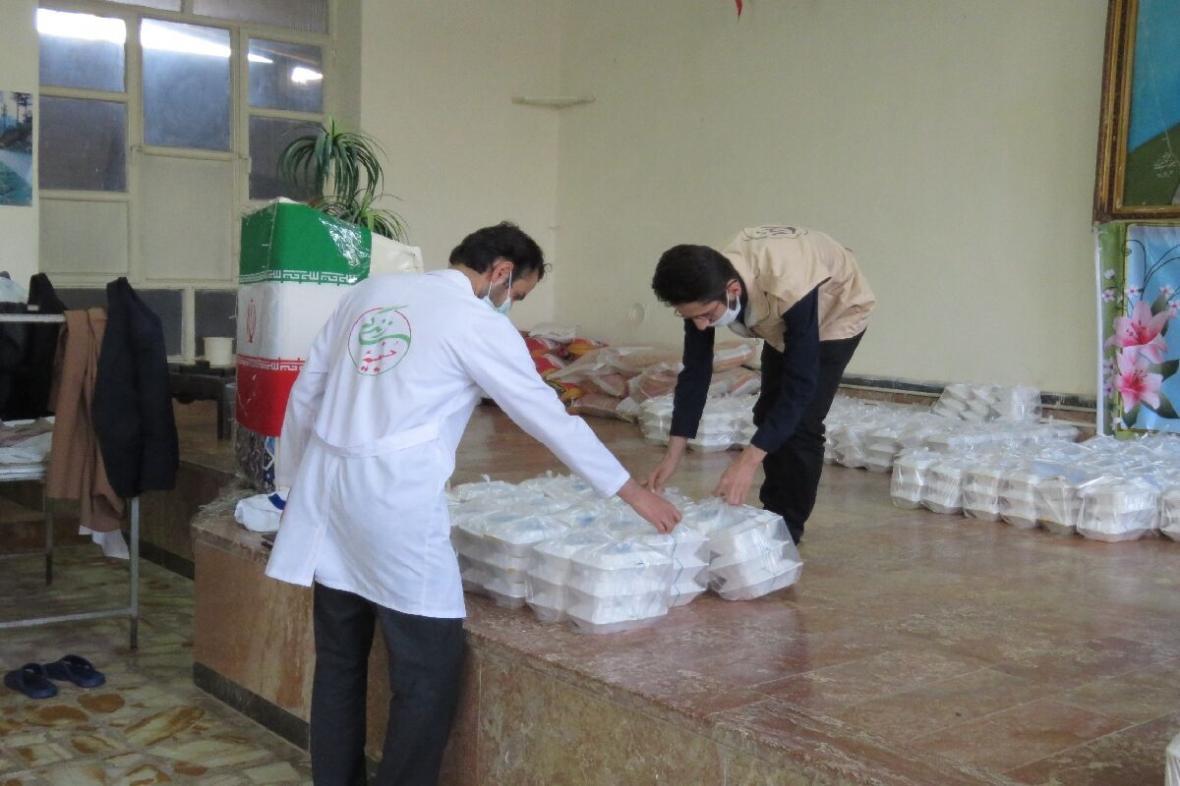 خبرنگاران توزیع 30 هزار پرس غذای گرم بین نیازمندان مراغه در ماه رمضان