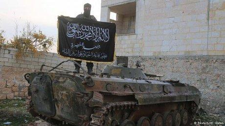 تدارک جبهه النصره برای انجام حمله شیمیایی در ادلب